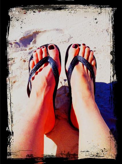 beach-thongs