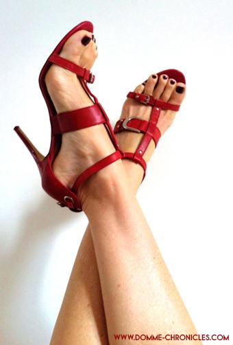 red-strappy-stilettos